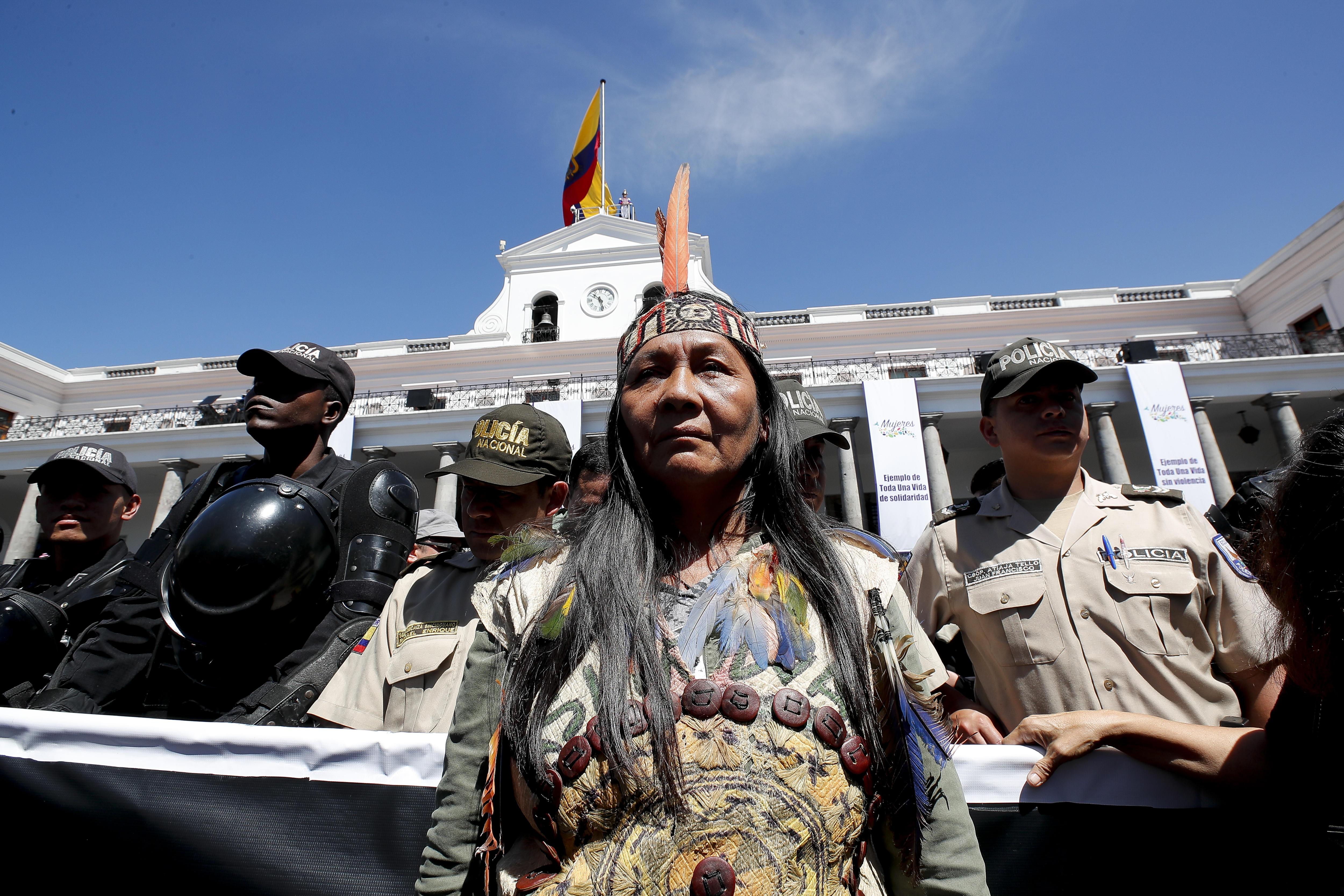 Dones de l'Amazònia equatoriana exigeixen frenar l'extracció minera a la selva de l'Equador, a Quito. /JOSÉ JÁCOME