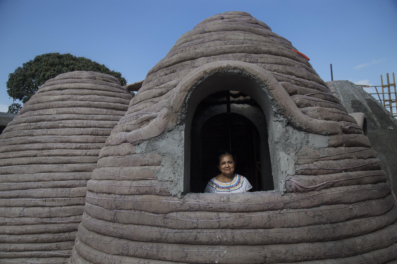 Construeixen cases resistents a terratrèmols per a damnificats a Mèxic. /LUIS VILLALOBOS