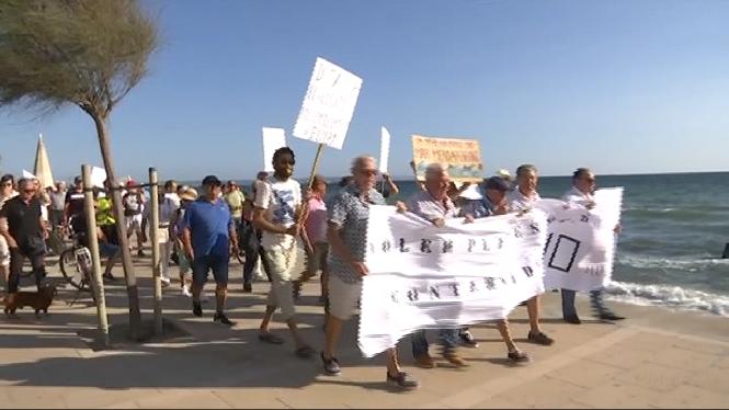200+persones+es+manifesten+a+Palma+per+reclamar+solucions+als+vessaments+fecals