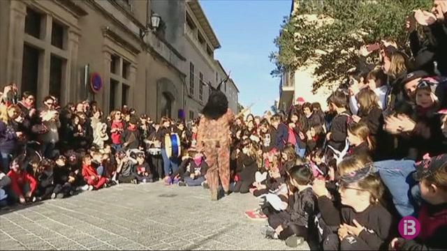 La+festa+de+Sant+Antoni+agafa+for%C3%A7a+a+Sant+Lloren%C3%A7