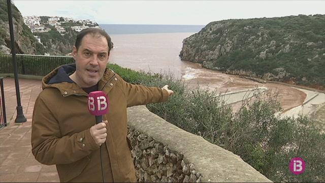 Les+fortes+pluges+neguen+la+platja+de+Cala+en+Porter%2C+Es+Plans+i+els+Vergers+de+Ma%C3%B3
