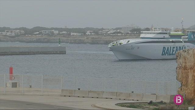 El+%27Ramon+Llull%27%2C+primer+vaixell+que+atraca+aquest+dimecres+a+Menorca+des+de+diumenge+passat