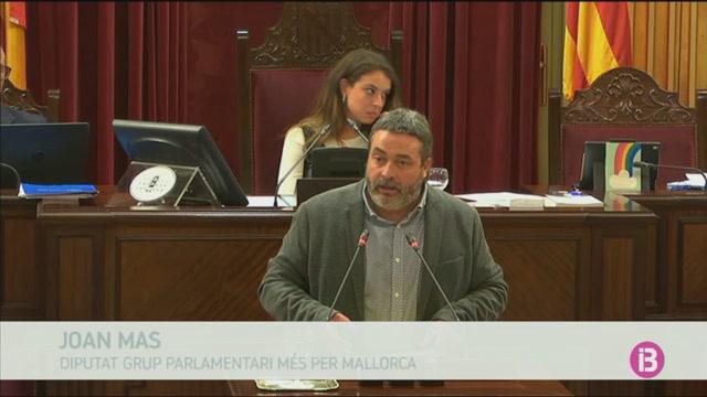 El+Parlament+valida+el+decret+llei+de+contra+el+turisme+d%27excessos