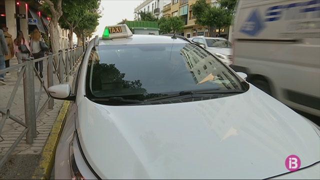 Els+taxistes+d%27Eivissa+rebutgen+la+instal%C2%B7laci%C3%B3+d%27aplicacions+m%C3%B2bils+que+controlin+la+duraci%C3%B3+de+la+jornada+laboral