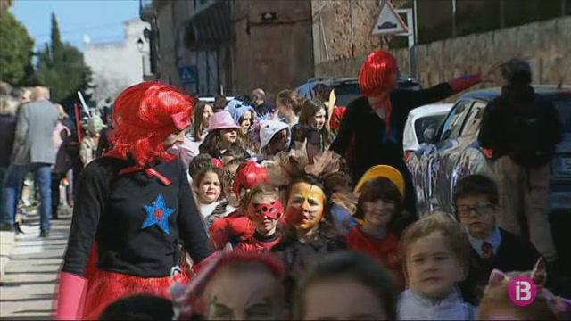 En+Camestortes+dona+el+sus+al+carnaval+d%27Algaida