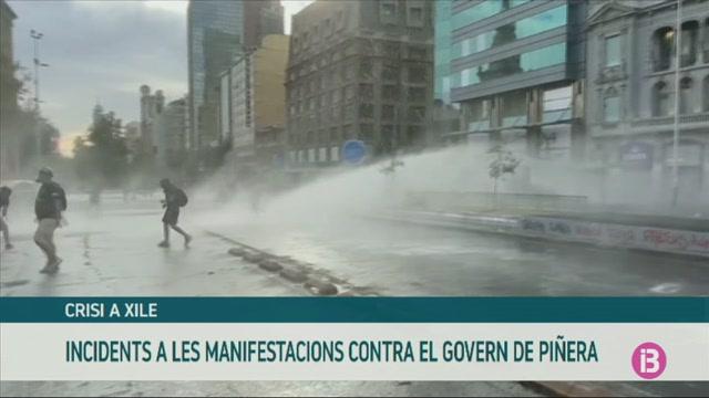 Incidents+a+les+manifestacions+de+Xile+contra+el+Govern+de+Sebasti%C3%A1n+Pi%C3%B1era