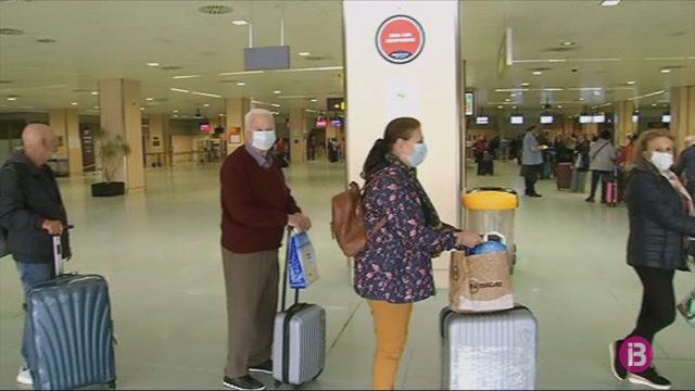 Els+turistes+de+l%27Imserso+atrapats+a+Eivissa+ja+son+a+casa