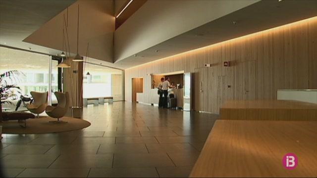 L%27hotel+del+Palau+del+Congressos+de+Palma+servir%C3%A0+per+atendre+malalts+lleus+amb+Covid-19