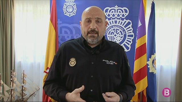La+Policia+Nacional+vetlla+perqu%C3%A8+la+gent+no+rompi+el+confinament