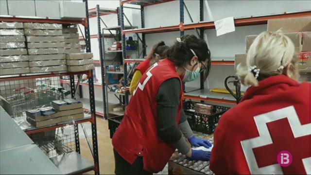 Els+voluntaris+de+Creu+Roja+augmenten+les+cridades+per+atendre+els+majors