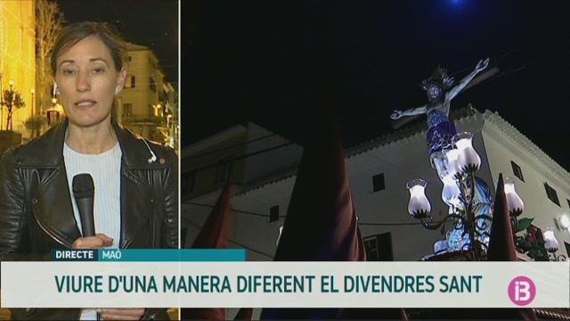 Els+fidels+de+Menorca+viuen+un+Divendres+Sant+de+recolliment+obligat