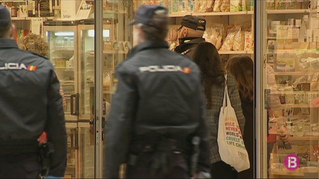 Dotze+detinguts+a+les+Balears+per+incomplir+el+confinament