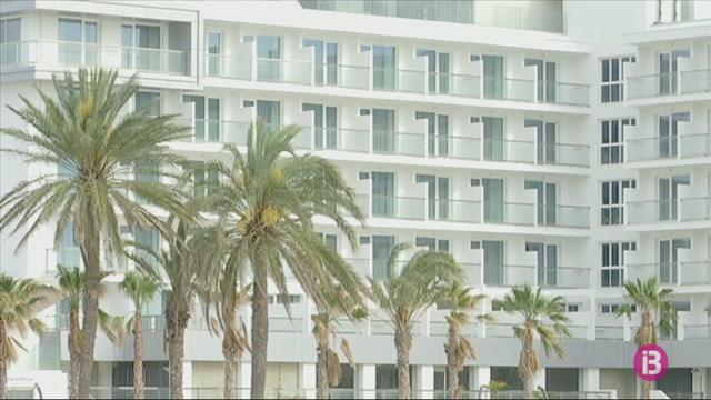 Hotels+i+restaurants+d%26apos%3BEivissa+dubten+si+obriran+en+les+primeres+fases