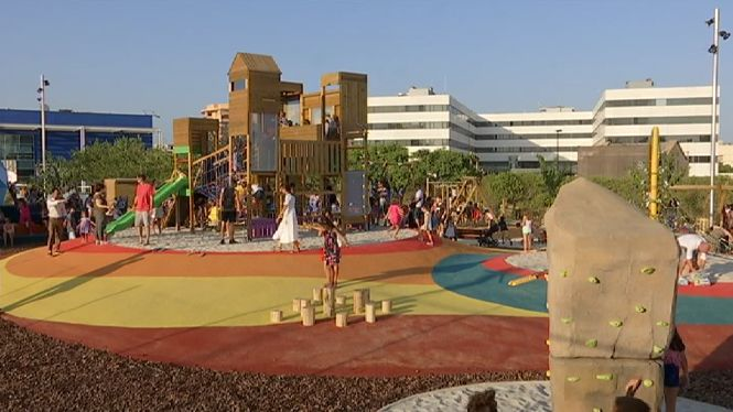 Inaugurat+el+parc+infantil+m%C3%A9s+gran+d%27Eivissa