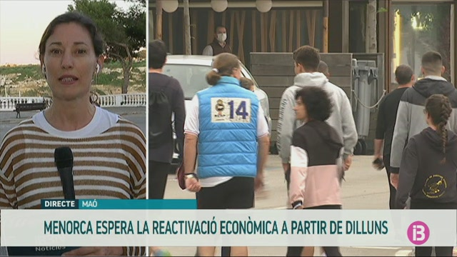 Susana+Mora+celebra+l%27entrada+a+la+fase+2+i+fa+una+crida+a+la+prud%C3%A8ncia