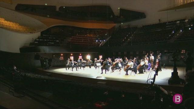 Primer+concert+a+la+Philharmonie+de+Par%C3%ADs+des+de+la+pand%C3%A8mia+de+la+COVID-19