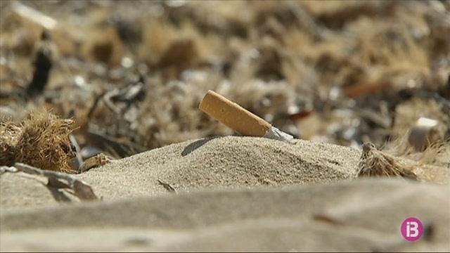 Es+Pujols+%C3%A9s+la+primera+platja+sense+fum+de+Formentera