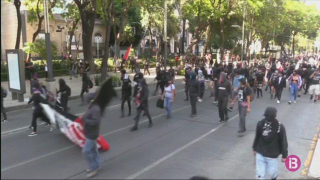 Continuen+les+protestes+a+M%C3%A8xic+per+la+mort+d%27un+jove+custodiat+per+la+policia