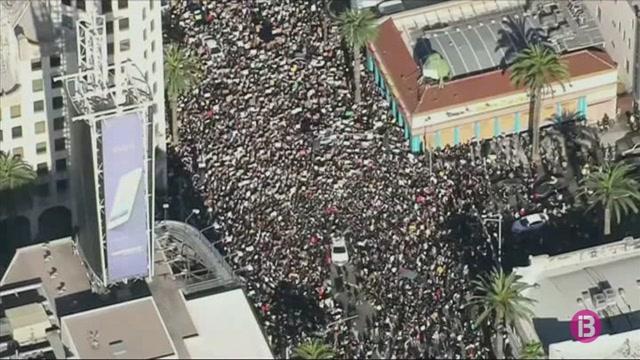 Milers+de+persones+es+tornen+a+manifestar+a+diverses+ciutats+dels+Estats+Units+contra+el+racisme+i+la+viol%C3%A8ncia+policial
