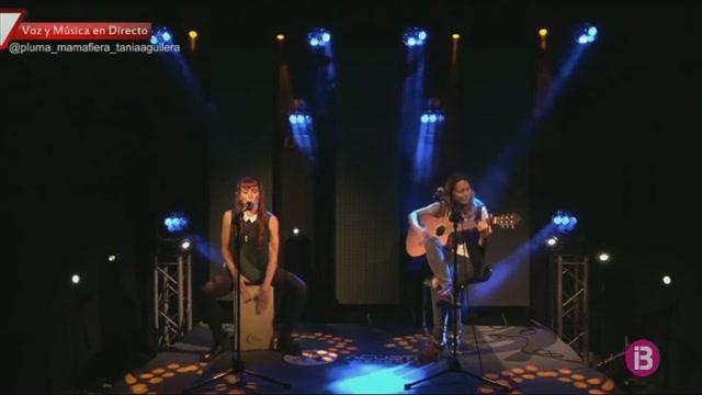 Nou+cantautors+de+Menorca+comparteixen+escenari+en+un+concert+amb+p%C3%BAblic+virtual