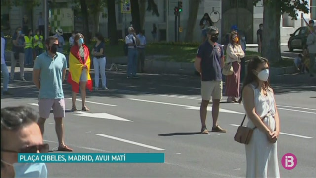Homenatge+a+les+v%C3%ADctimes+de+la+Covid-19+a+Madrid