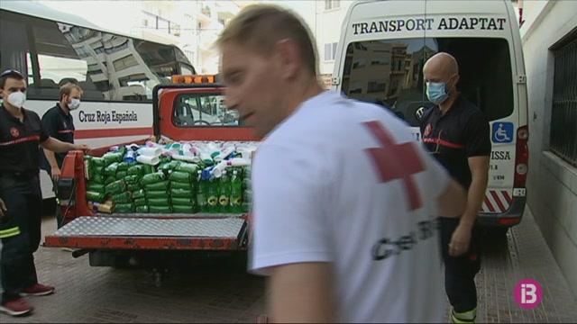 Els+bombers+d%27Eivissa+donaran+durant+tot+l%27estiu+1.100+euros+al+mes+en+aliments