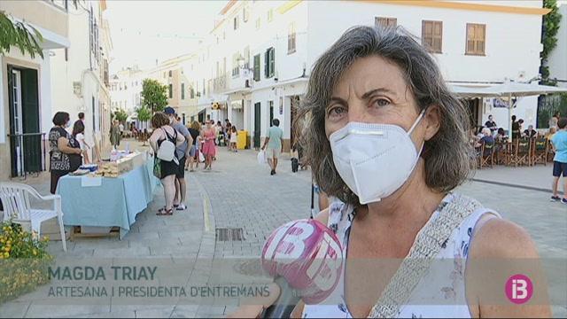 Els+mercats+artesanals+de+Menorca+queden+redu%C3%AFts+a+la+m%C3%ADnima+expressi%C3%B3