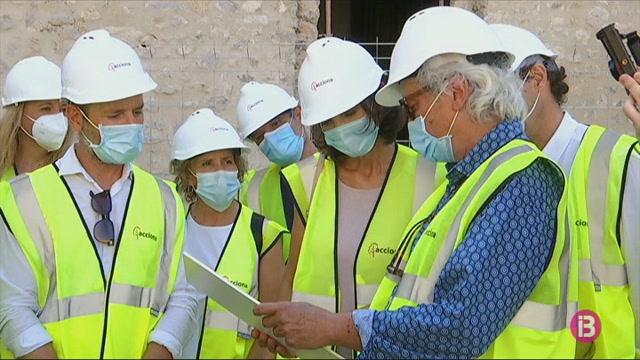 La+ministra+Maroto+visita+les+obres+del+parador+d%27Eivissa