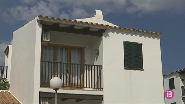 Catorze+persones+s%27allotgen+a+l%27hotel-pont+de+Menorca+afectats+per+la+Covid-19