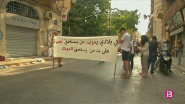 Una+manifestaci%C3%B3+recorda+les+v%C3%ADctimes+una+setmana+despr%C3%A9s+de+l%27explosi%C3%B3+de+Beirut
