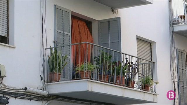 Tenir+una+feina+estable+no+%C3%A9s+garantia+de+sostre+a+Eivissa