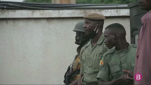El+president+de+Mali+presenta+la+dimissi%C3%B3+i+anuncia+la+dissoluci%C3%B3+del+Parlament+i+del+Govern