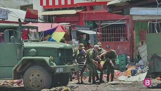 Almanco+12+morts+en+un+doble+atemptat+a+Filipines