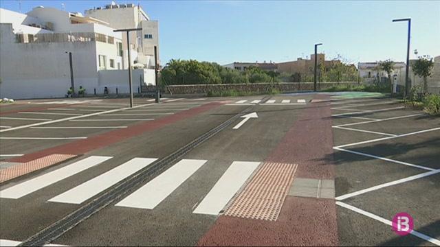 Ma%C3%B3+inaugura+el+nou+aparcament+de+la+Pla%C3%A7a+Eivissa+per+a+49+vehicles