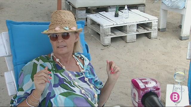Resignaci%C3%B3+entre+els+turistes+que+fumen