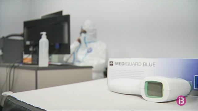 Creu+Roja+ha+fet+2.000+proves+PCR+al+personal+de+resid%C3%A8ncies+de+Mallorca+que+es+reincorporen+a+la+feina