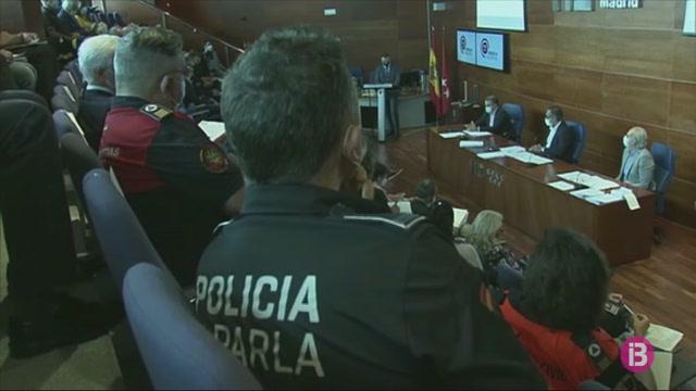 Les+autoritats+de+Madrid+preparen+el+dispositiu+de+cara+a+l%27inici+de+les+restriccions+dem%C3%A0