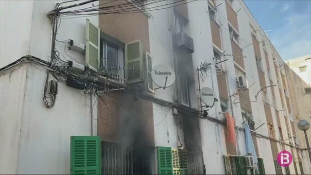Almanco+vuit+intoxicats+en+un+incendi+a+un+edifici+de+Son+Gotleu