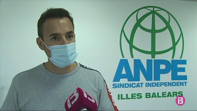 El+sindicat+educatiu+Anpe+reparteix+material+higi%C3%A8nic+i+sanitari+als+centres+educatius