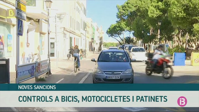 La+Policia+de+Ciutadella+inicia+una+campanya+de+mobilitat+centrada+en+les+motos%2C+bicis+i+patinets