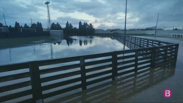 Les+pluges+provoquen+inundacions+al+pol%C3%ADgon+industrial+i+al+Canal+Salat+de+Ciutadella
