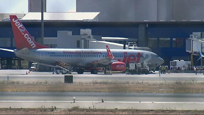 Jet2.com+repr%C3%A8n+els+vols+el+17+de+juny