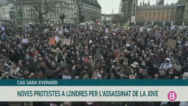 Noves+protestes+a+Londres+per+l%27assassinat+de+Sara+Everard