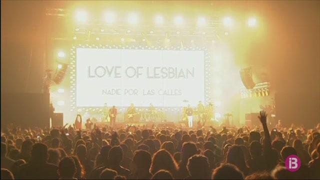 5.000+persones+assisteixen+al+%26%238216%3Bconcert+pilot%27+de+Love+of+Lesbian+a+Barcelona