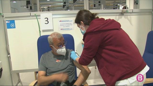 Arriben+a+Espanya+un+mili%C3%B3+de+vacunes+d%27AstraZeneca