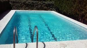 Continua+greu+l%27infant+de+dos+anys+que+es+va+ofegar+en+una+piscina+a+Ciutadella