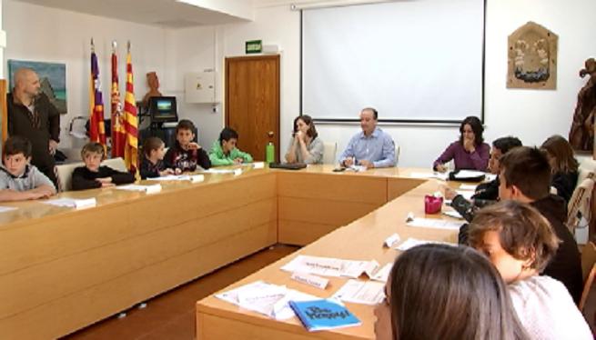 Els+escolars+de+Formentera+duen+a+plenari+les+seves+propostes+per+millorar+l%27illa