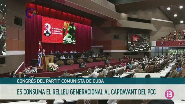 Ra%C3%BAl+Castro+cedeix+el+lideratge+a+Miguel+D%C3%ADaz-Canel