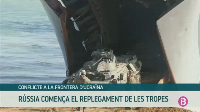 R%C3%BAssia+comen%C3%A7a+el+replegament+de+les+tropes+a+Crimea