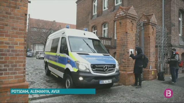 Una+dona+de+51+anys+ha+estat+detinguda+a+la+ciutat+alemanya+de+Potsdam+sospitosa+d%27homicidi+premeditat+de+quatre+persones+d%27una+resid%C3%A8ncia